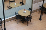 Модерна стойка за маса за заведение