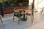 Универсален стол и маса от ратан за ресторанти за всесезонно използване