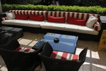 Универсална маса от ратан за вътрешно и външно използване
