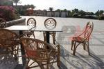 Маса и стол от естествен ратан с дълъг срок на използваемост