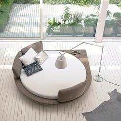 Кръгла спалня с нестандартна форма