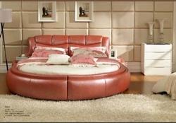 Кръгла спалня розава кожа