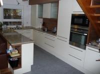 Кухня с барплот Iris-