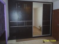 Вграден петкрил гардероб