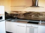 Обзавеждане за кухня с гръб принт стъкло