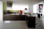 Проект на ъглова кухня с алуминиев цокъл