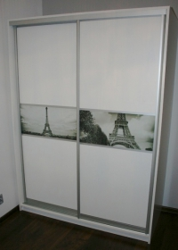 Гардероб с 2 плъзгащи врати от ПДЧ принт стъкло