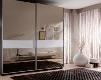 Гардероб с две плъзгащи врати с огледало и лакобел