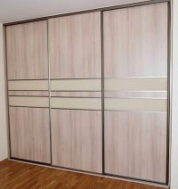 Вграден гардероб плъзгащи врати