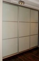 Трикрил гардероб със стъкло