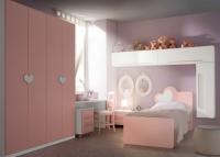 Детска стая в бяло и розово