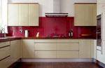 Кухня във цвят ванилия
