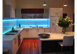Кухня с лед осветление