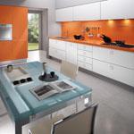 Кухня в бяло и оранжево МДФ мат.