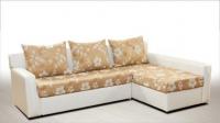 Бял диван с цветя