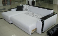 Бял ъглов диван