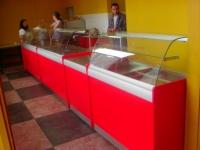 Витрини за продажба на готови храни