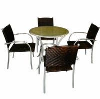 Комплект маса със столове за градина