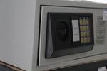 Доставка на сейфове за магазин за часовници за град