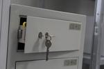 Поръчкова изработка на сейф за училища
