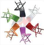 Пластмасови столове с разнообразни размери плот