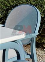 Столове италиански и басейн от пластмаса