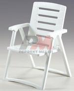 Пластмасова стол за открити пространства