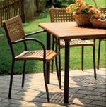 Метални столове за поставяне в заведението и бар