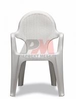 Външни пластмасови столове,маси,канапета и комплекти за плаж