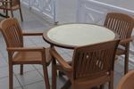 Качественни, кафяви пластмасови столове