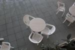 Пластмасови бели столове, с доставка
