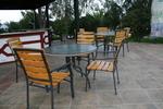 Устойчиви стойки за бар маси за хотели