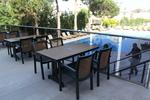 Устойчиви зелени столове, от пластмаса