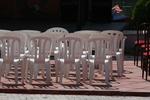 Пластмасови бели столове, за басейн