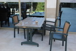 Качественни, зелени пластмасови столове