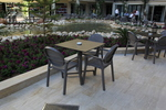 Стифиращи пластмасови столове за хотел