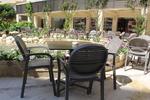 Качественни пластмасаови столове за хотел