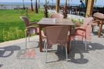 модерни пластмасови столове за басейн