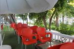 Градински стол червени, произведен от пластмаса