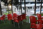 Пластмасови столове червени, с различни цветове