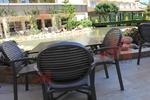 Пластмасови кафяви столове за барове