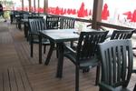 Градински пластмасови зелени столове