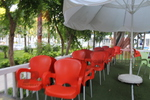 Пластмасови столове червени, за басейн