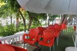 Пластмасови столове червени за хотели