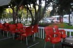 Пластмасови столове червени, за открито