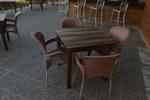 Стол от пластмаса за кафене