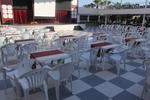 Качественни, бели пластмасови столове