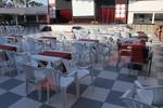 Универсален бял стол от пластмаса, за външно използване