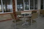 здрав метален стол за външно и вътрешно ползване