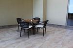 Здрави метални столове,подходящи и за навън